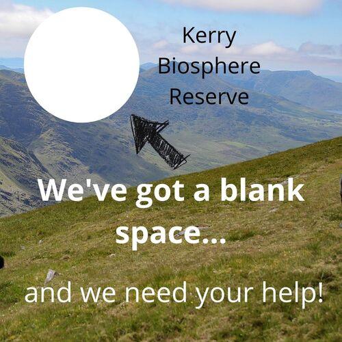 fone rodomas kalnų peizažas, tuščias apskritimas su rodykle, nukreipta į jį, teksto skaitymas, mes turime tuščią vietą ir mums reikia jūsų pagalbos!